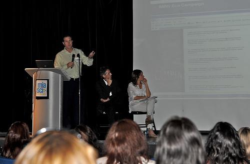 Jorge Diaz de Villegas, Senior Vice President and Senior Partner at Fleishman-Hillard, discusses Hispanic social media