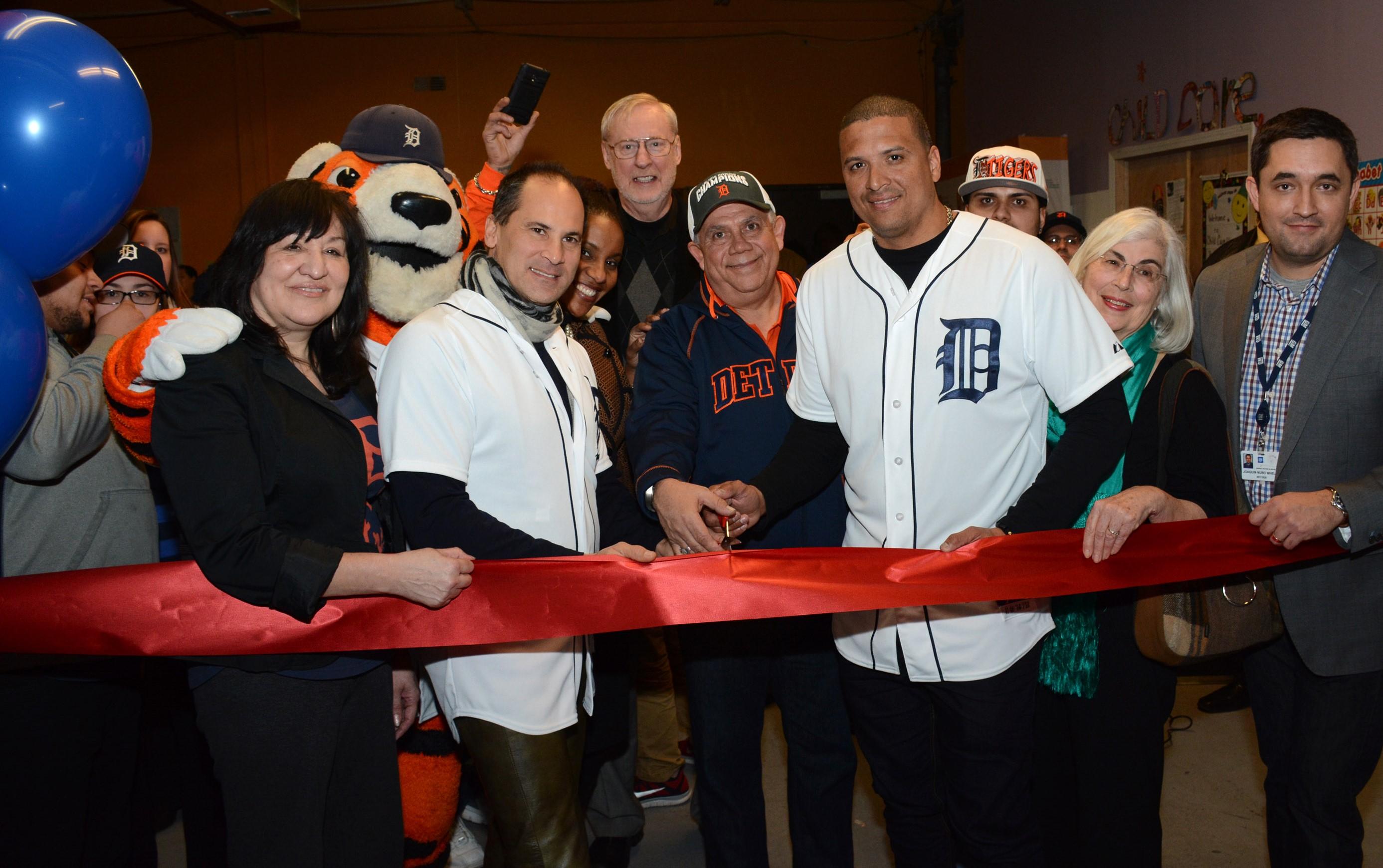 GM  Tigers at RECD Ribbon Cutting
