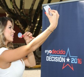 Actress Ximena Duque documents her first time voting for Telemundo's #YODECIDO campaign