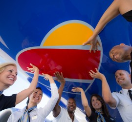 Now accepting applications for Southwest Airlines Lanzate Travel Award program for college students